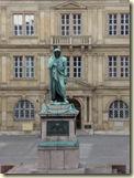 Schiller-Statue auf dem Stuttgarter Schillerplatz