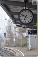 pünktlich wie die Bahnhofsuhr?