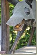 der Goldesel mit einem Sonnenschutz