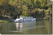 Eines der Neckarschiffe an der Wilhelma