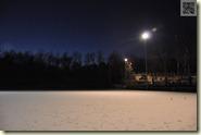 Schneebedeckter Fußballplatz